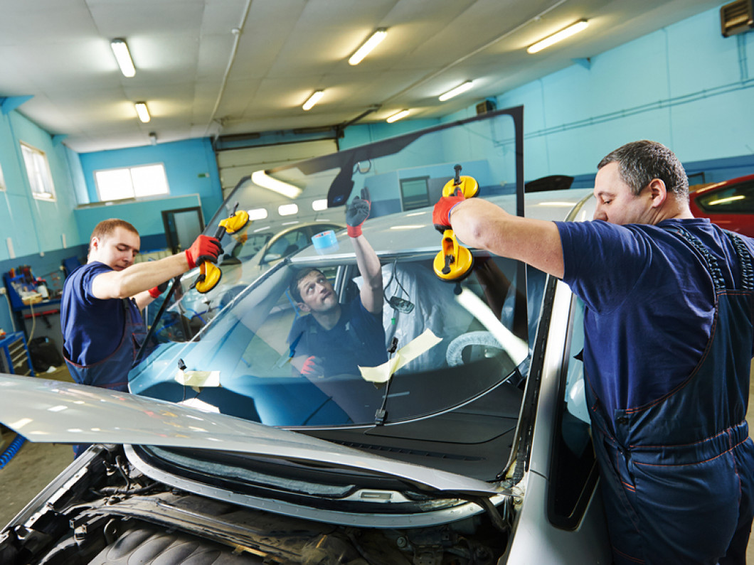Expert Auto Glass Repair and Replacement
